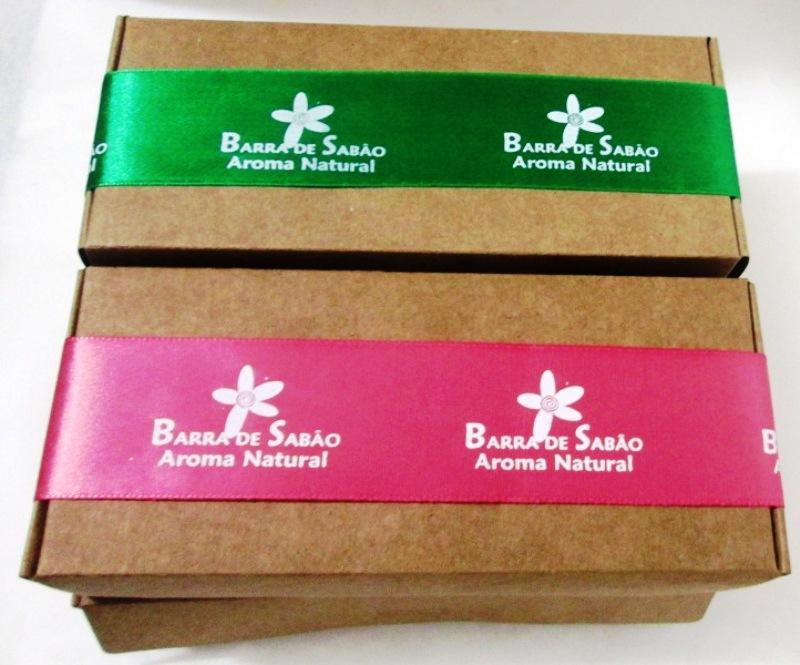 Caixa para presente/tr�s sabonetes