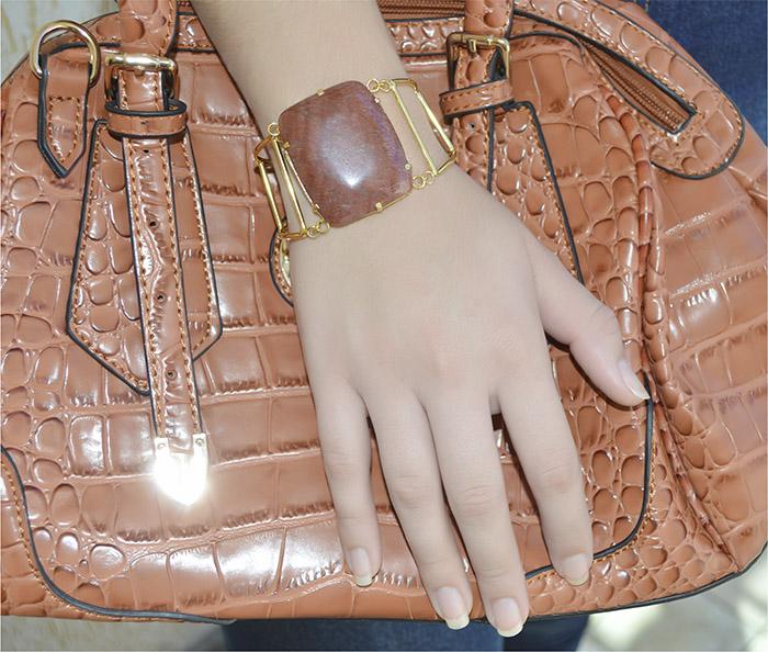 bracelete folheado a ouro com pedra natura